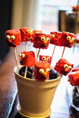 Elmo Marshmallow Pops